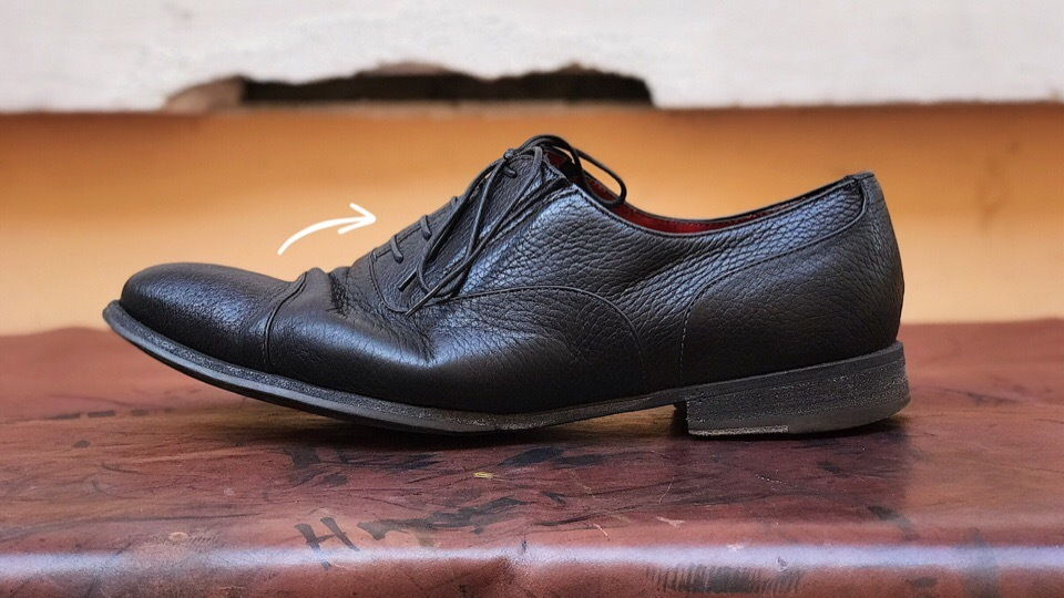Заломы на обуви подошва согнулась